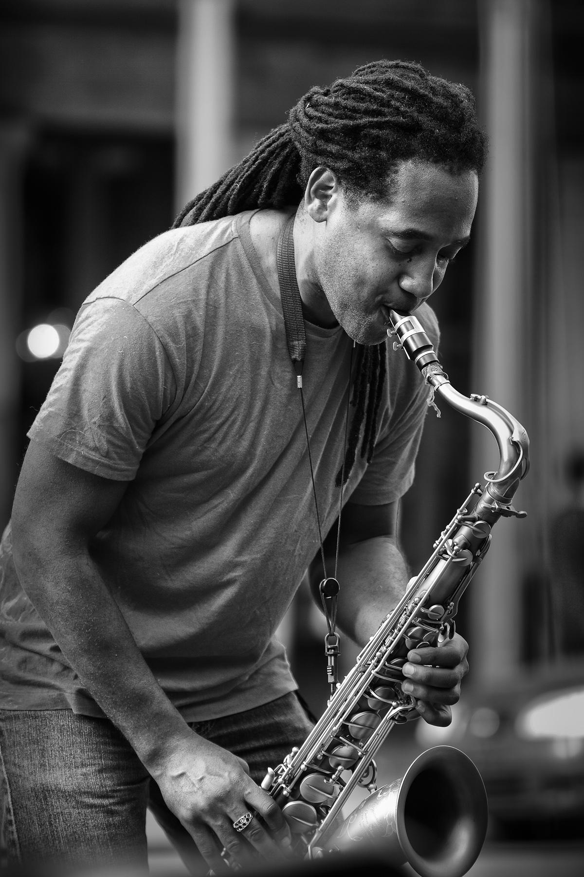 Saxophon-Spieler in New Orleans | Schwarzweiß-Fotografie