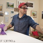 Stop-Motion-Animation   Robert animiert die Figuren © Robert Scheffner