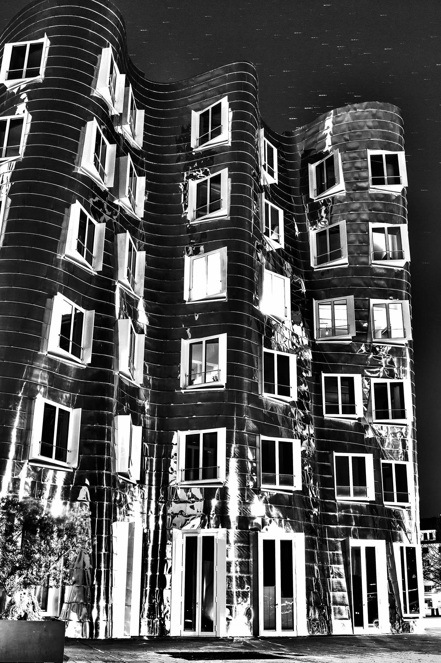 Nachtfotografie - Ghery-Bauten HDRI in SW
