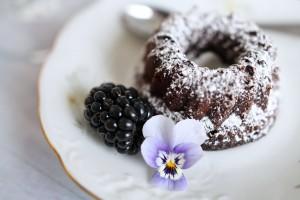 Blumendekor ins rechte Bild gerückt | Foodfotografie