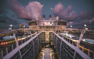 Kreuzfahrtschiff © Max Muench