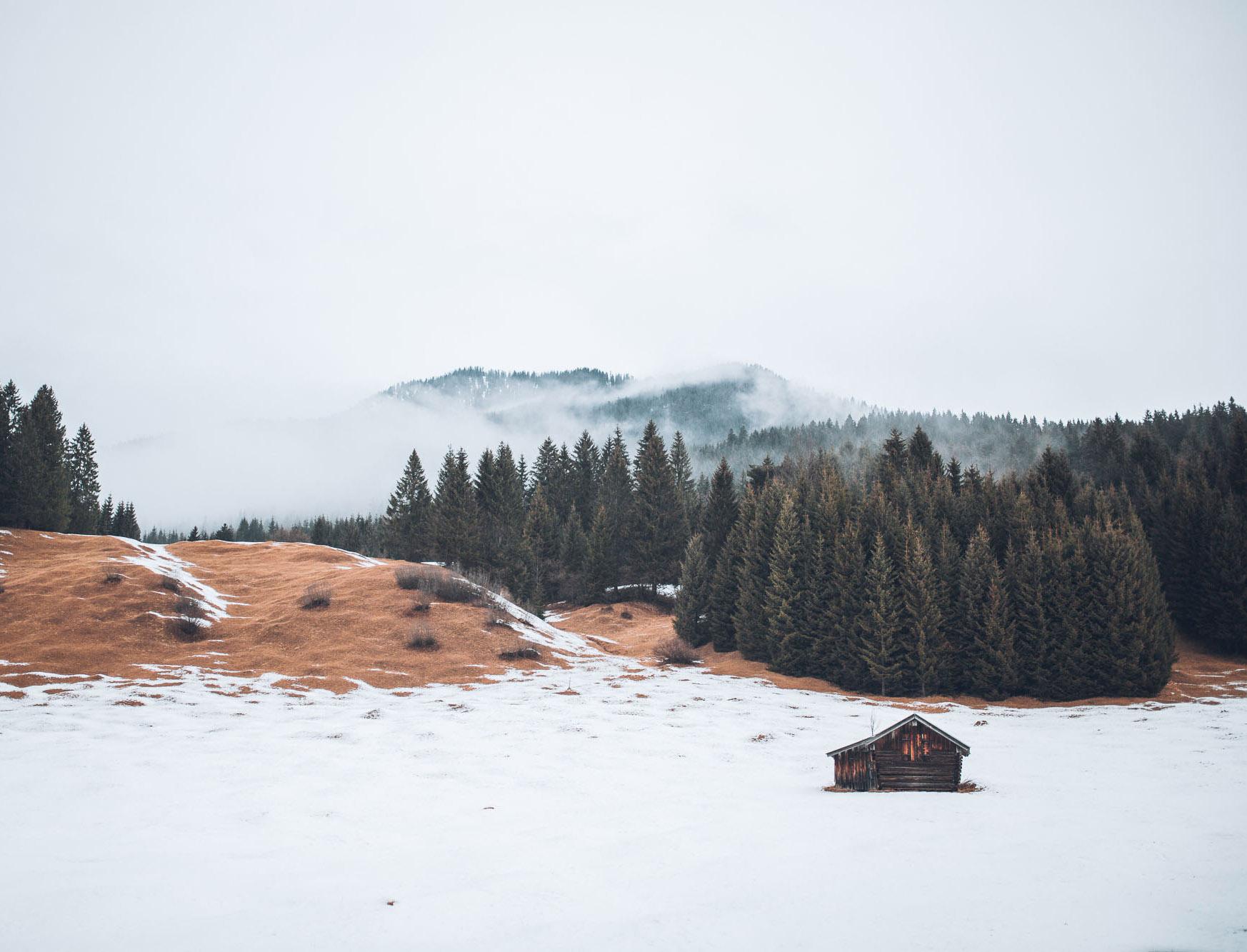 Hütte im Schnee © Alina Schessler