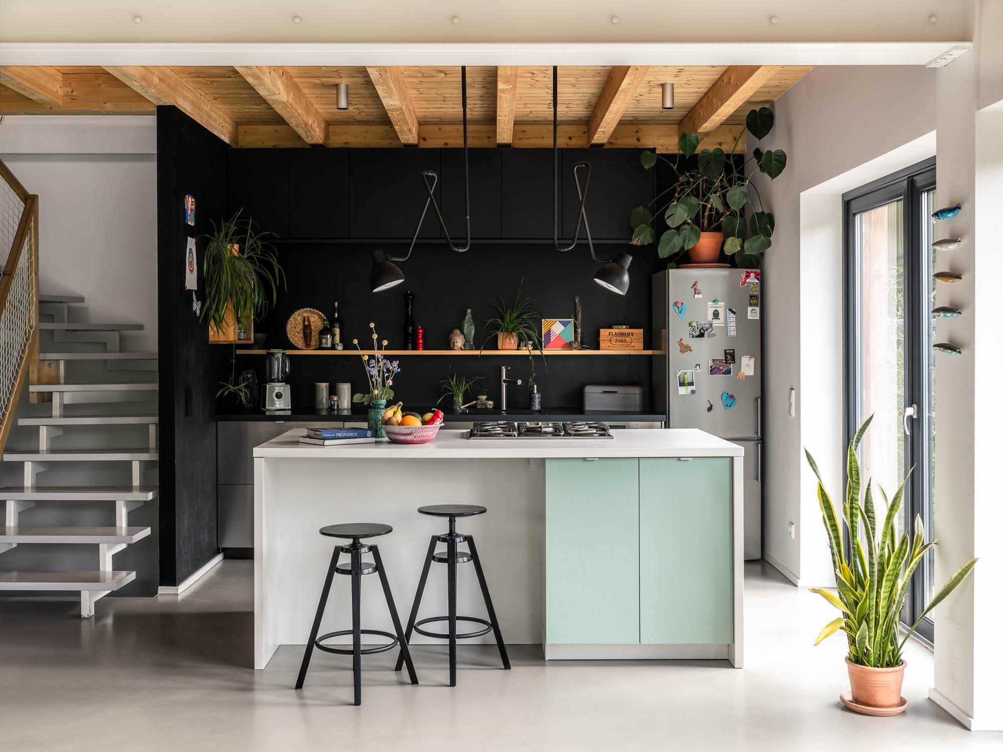 Kunterbunte Homestory im nachhaltigen Holzhaus © Magdalena Gruber